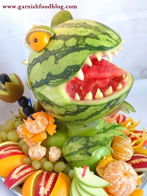 Fruit Carving Arrangements and Food Garnishes: Watermelon T-Rex ...