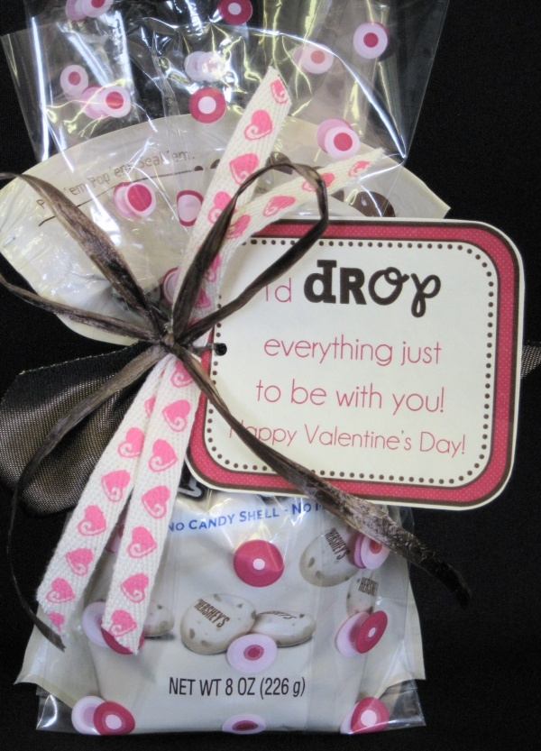 cute idea: Pioneer Parties, Valentines Ideas, Gifts Ideas, Gift Ideas, Marketing Ideas, Valentines Gifts, Valentines Day, Valentine Gifts, Drop Valentines