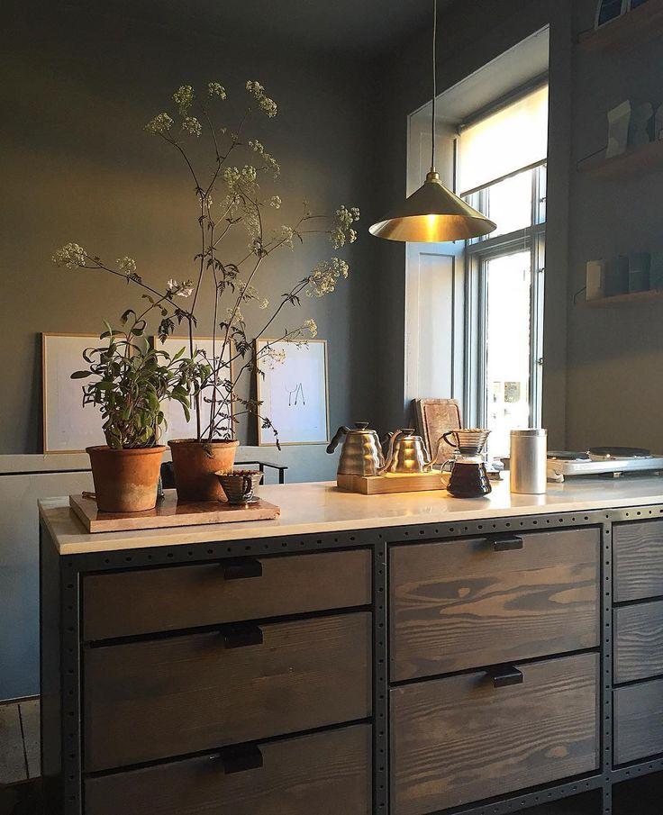 @SoudaBrooklyn / @svante_elledecoration: Superinspiration! Coola Frama på Fredericiagade 57 är värt en lååång omväg i alla avseenden … … Inte minst för deras precis nylanserade kök #3daysofdesign #framacph Like what you see? Follow Souda on...