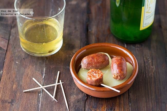 Cómo hacer chorizos a la sidra. Receta http://www.directoalpaladar.com/recetas-de-aperitivos/como-hacer-chorizos-a-la-sidra-receta