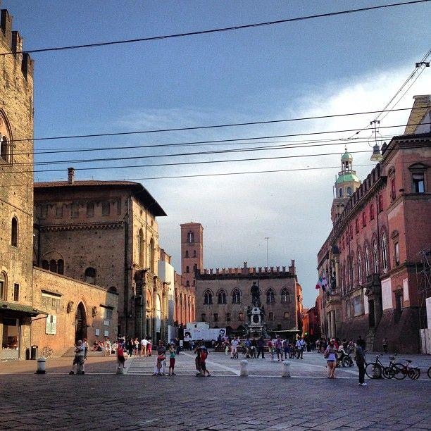 """And we are back in the beautiful Bologna - """"Bolonha - Cidade Base para Viajar pela Itália"""" by @aprendizviajante"""