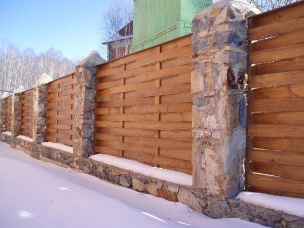 Современный плетеный забор своими руками - просто и доступно