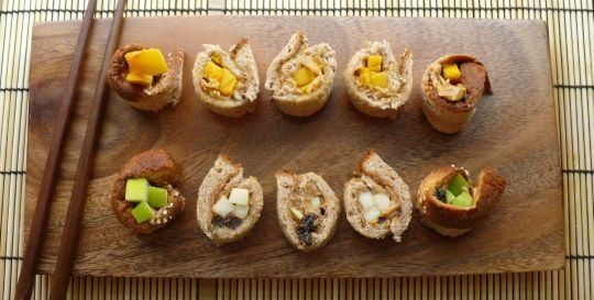 """Back to School Recipe: Peanut Butter and Fruit """"Sushi"""""""