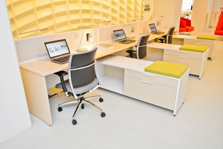Desking system, Chicago NeoCon 2013 Teknion Showroom