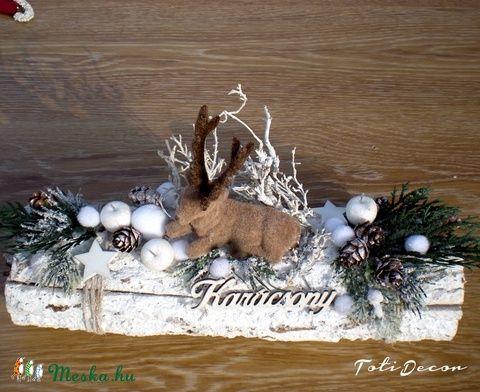 Fehér karácsonyi asztaldísz szarvassal (TotiDecor) - Meska.hu