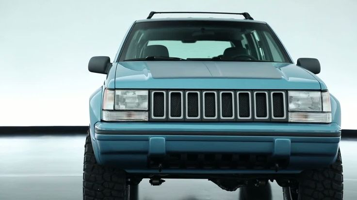 #jeep's grand one #concept is proof a 1993 #GrandCherokee ZJ can be amazing http://www.topspeed.com/trucks/truck-reviews/jeep/2017-jeep-grand-one-ar176292.html