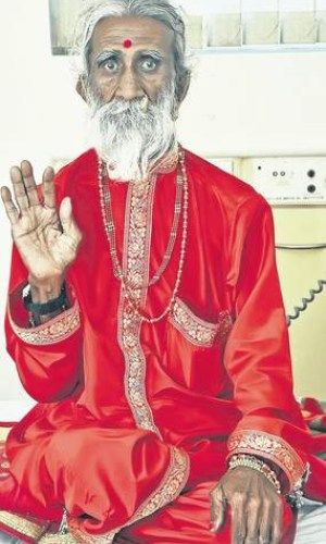 Indian Holy Man Claims He Hasn't Eaten in 70 Years, Baffles Experts and Doctors