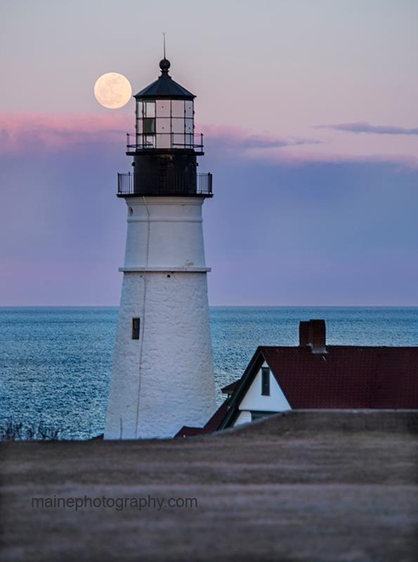 Full moon and Portland Head Lighthouse in Cape Elizabeth.   https://sphotos-b.xx.fbcdn.net/hphotos-prn1/64760_442457632496419_1882247825_n.jpg