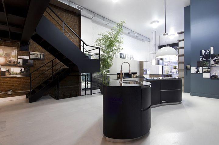 Минималистский дизайн салона-магазина элитных кухонь Pedini в Нью-Йорке