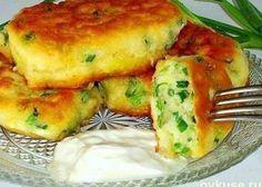Самые ленивые пирожки с яйцом и зелёным луком за 10 минут