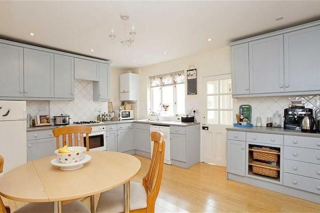 4 bedroom house to rent in Iffley Road, 1950 pm