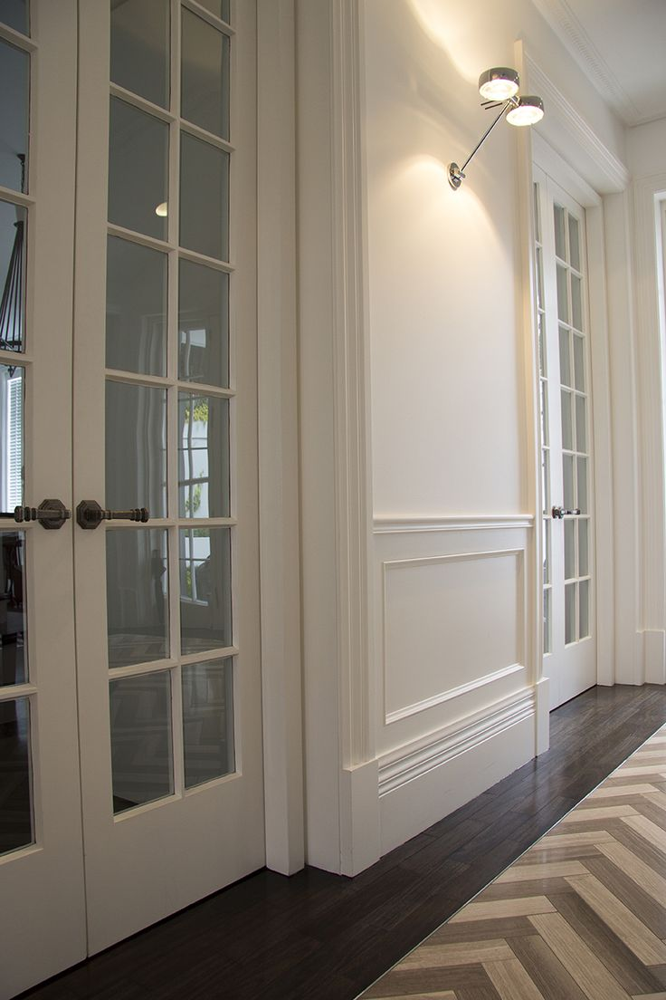 Best 25+ Wainscoting styles ideas on Pinterest | Black and ...