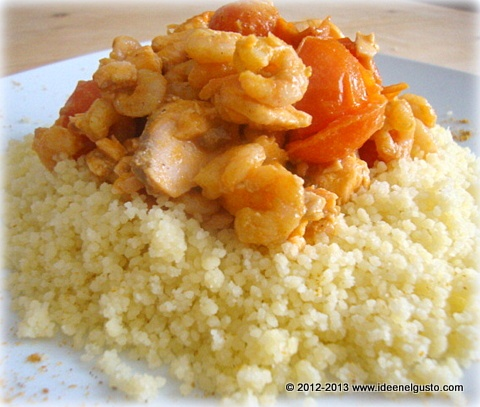 Cous cous con salmone, gamberetti e pomodorini- Cous cous with salmon ,prawns and tomatoes