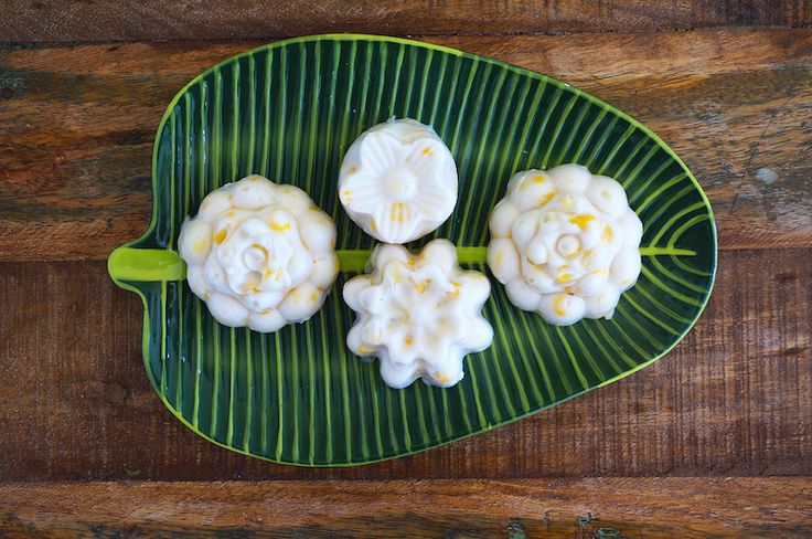 """This is an easy and slightly sweet dessert is popular in Malaysia, and across South-East Asia. It is made with """"Hun Kwe"""" or sometimes know..."""