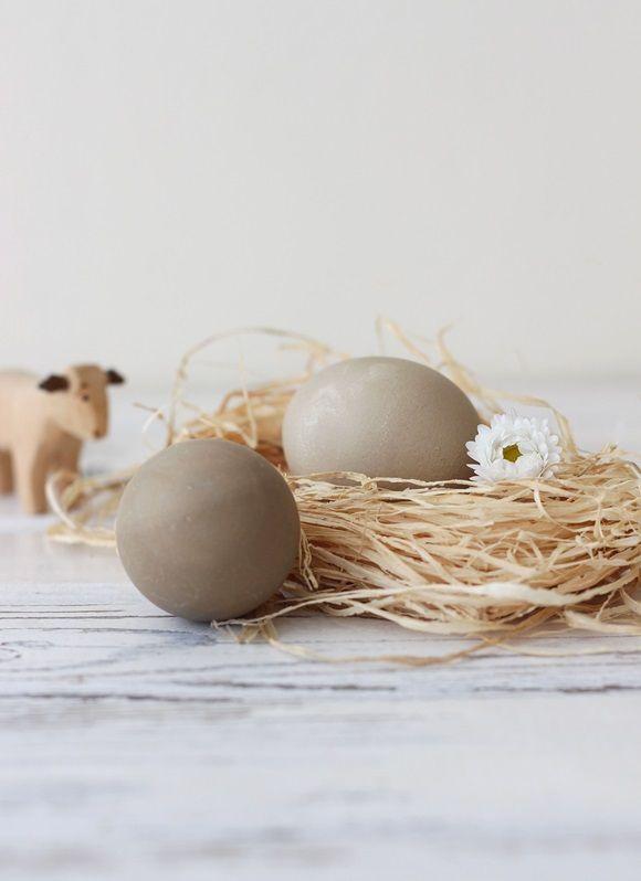 Eier dezent färben