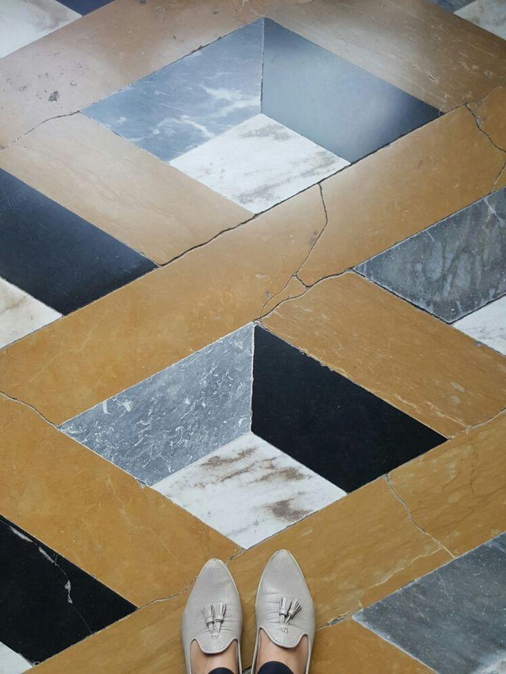 Veneciano floors