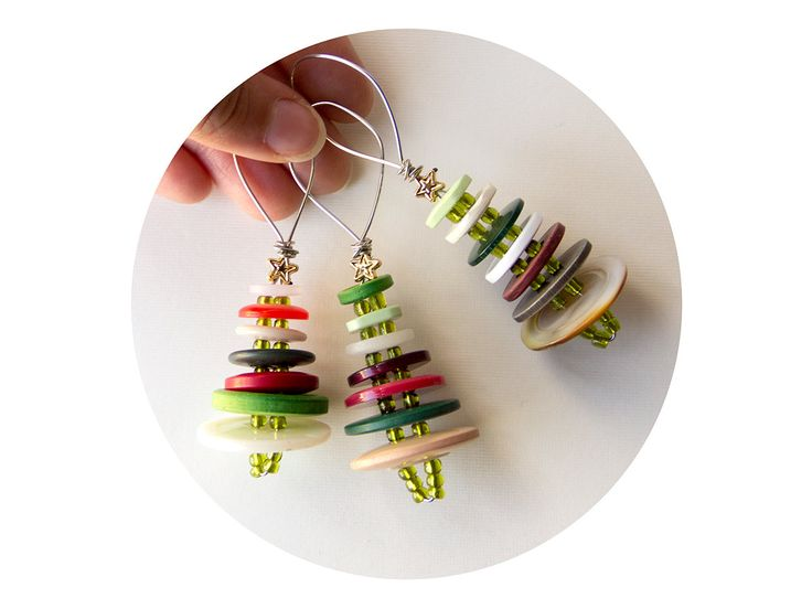 wire button xmas trees...try making these as xmas earrings