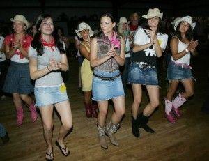 Yeehaw!..how to Line Dance. Nice Vids!