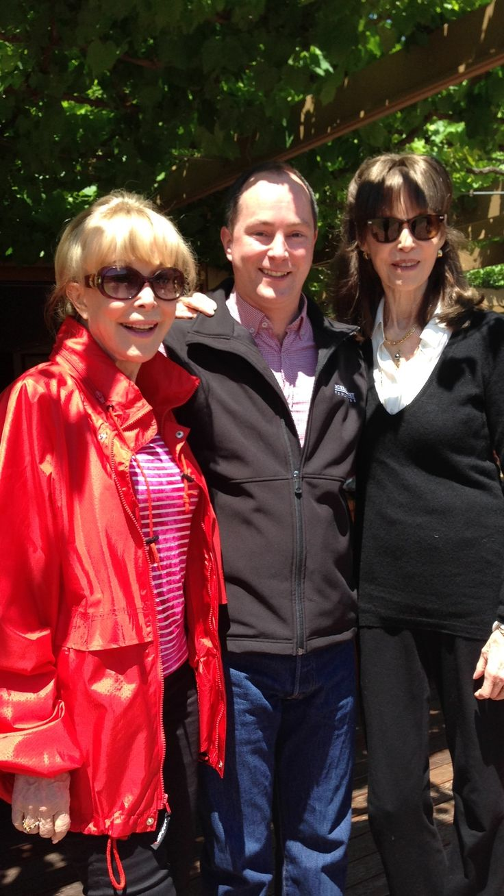 Blink and you'll miss it! Barbara's Eden and Feldon drop into the Tasting Room and brightened up our day! Thanks ladies for making Paul's day 99 times better. X @Barbara_Eden @msvwine #SupaNovaAdelaide