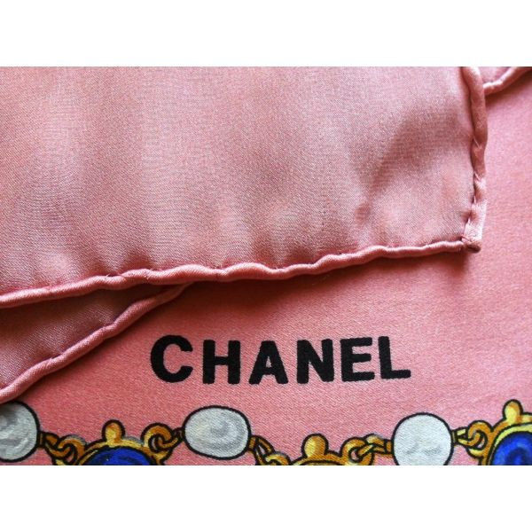 CHANEL, Foulard carré en soie, scarf, sciarpa, seta, seidentuch authentique vintage #chanel