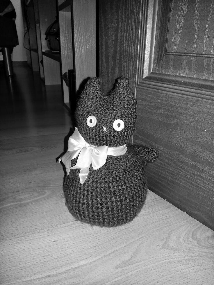 Koralikowy Świat: Kotek - podpórka pod drzwi