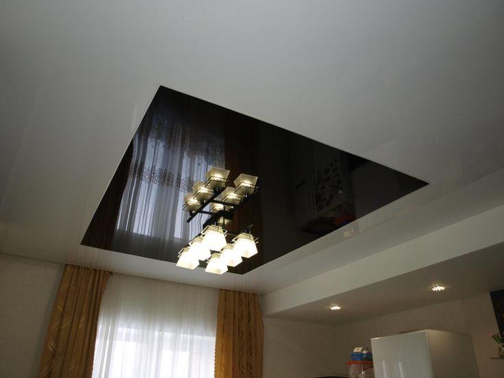 Глянцевый натяжной потолок в кухню 8,9 кв.м