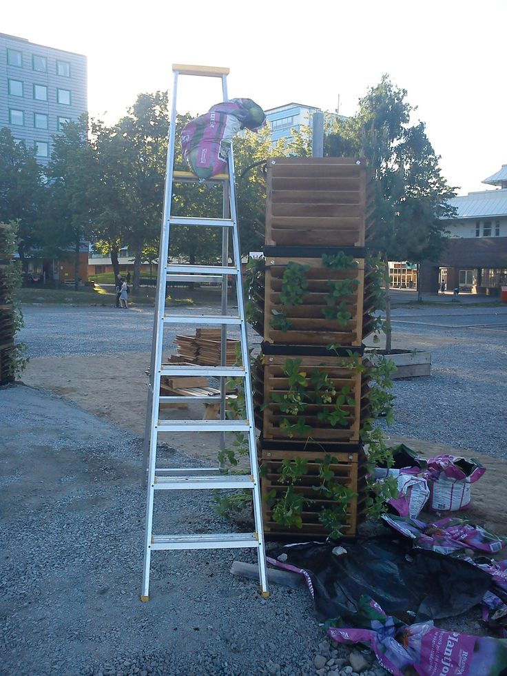 You can set the cubes on each other as we have done in the municipality of Upplands Väsby.