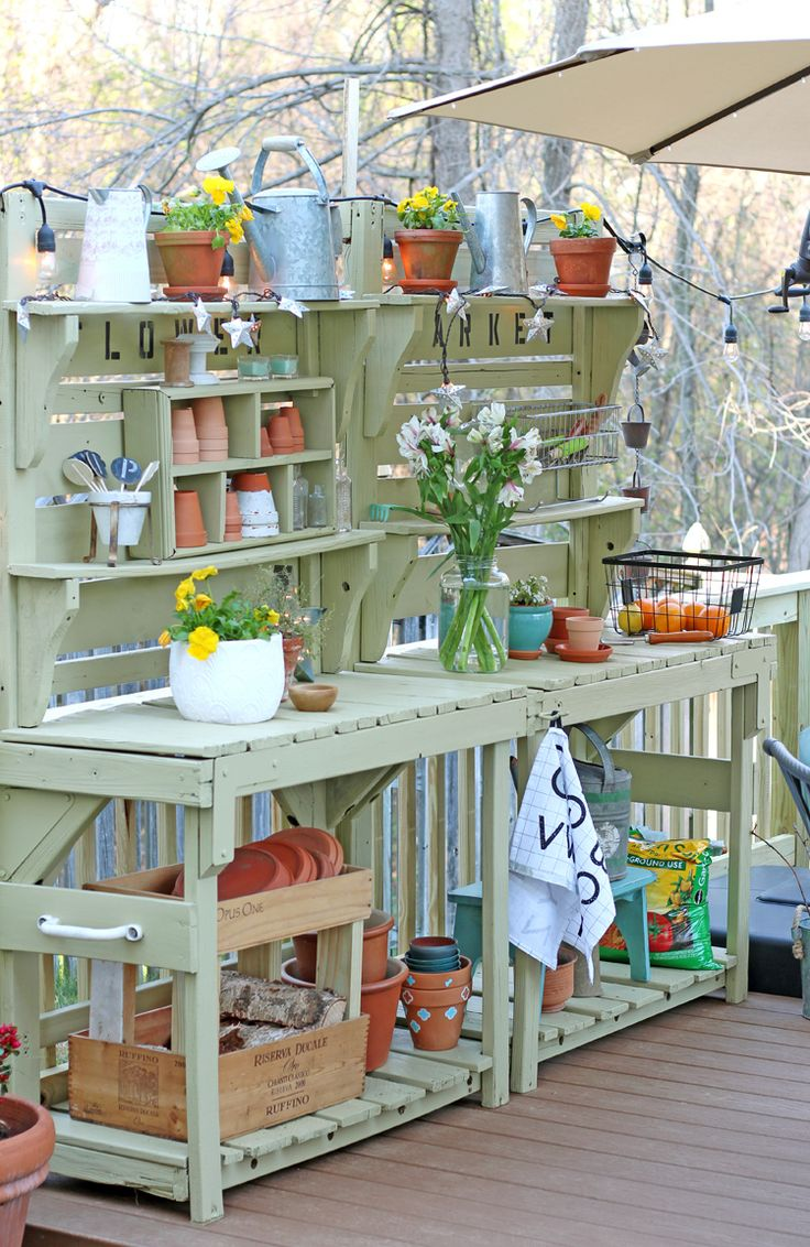 Best 25 potting benches ideas on pinterest potting station potting tables and shed bench ideas Potting bench ideas