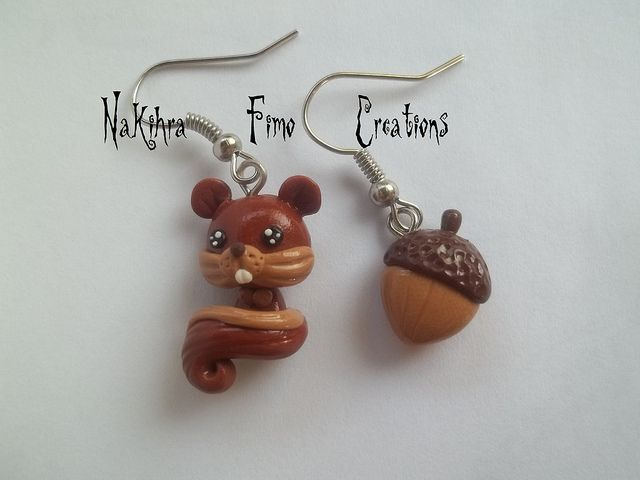 Toujours dans le domaine des boucles d'oreilles dépareillées sur le thème des animaux, voici un charmant petit écureuil accompagné d'un gland. <**> Also in the area mismatched earrings on the animal theme , here's a charming little squirrel accompanied by an acorn.  #boucles #oreilles #ecureuil