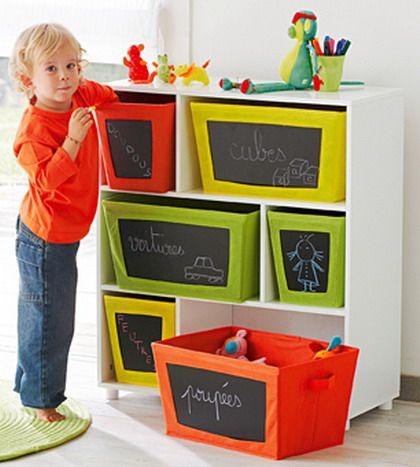 boxes with blackboard stickers | cajas con pegatinas de pizarra
