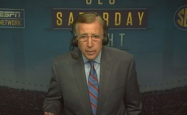 Brent Musburger criticized for handling of Joe Mixon - http://www.truesportsfan.com/brent-musburger-criticized-for-handling-of-joe-mixon/