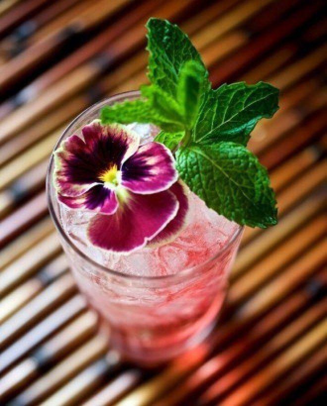Receitas de drinques cor-de-rosa, Tropical Gin Rosé