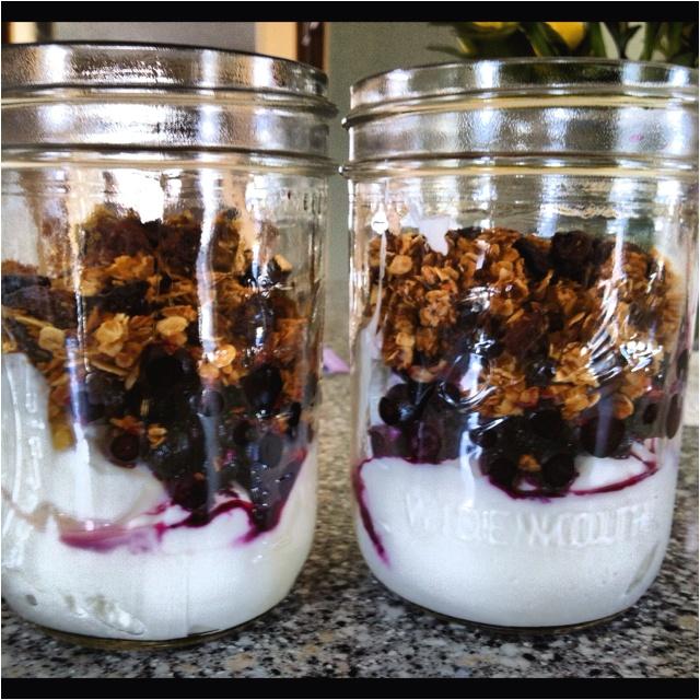 Blueberry & yogurt parfait | Yum | Pinterest