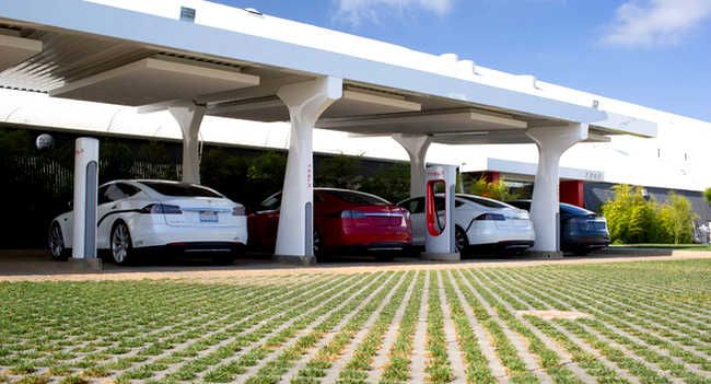 Tesla Model S owners are asked to refrain from using the supercharging network of Tesla Motors. Tesla Motors's CEO, Elon Musk, is sending the reminders to some Tesla Model S owners.