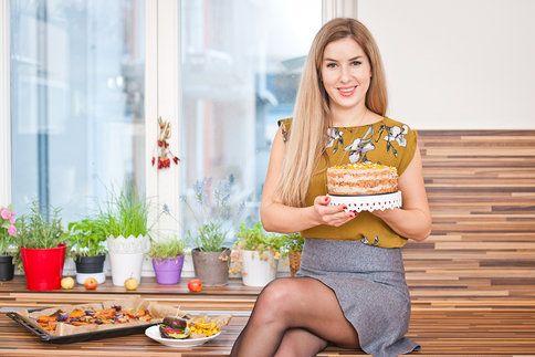 Výživová poradkyně Bára vám ukáže, jak si připravit pokrmy, po kterých se budete cítit skvěle a v předvánočním ruchu vám dodají potřebnou energii