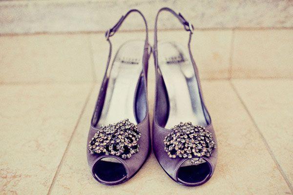Paarse trouwschoenen met strass voor een 20's stijl bruiloft #bruiloft #wedspiration #20's
