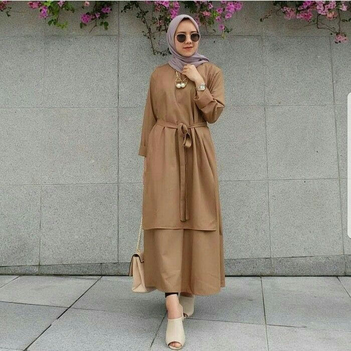 Jb CAREY TUNIK VG001 ( tali nyatu ) Harga 88.000 Bahan balotelly Ukuran all size fit to L Informasi dan pemesanan hubungi kami SMS/WA +628129936504 atau www.ummigallery.com Happy shopping #jilbab #jilbabbaru #jilbabpesta #jilbabmodern #jilbabsyari #jilbabmurah #jilbabonline #hijab #Kerudung #jilbabinstan #Khimar #jilbabterbaru #jilbab2018 #jilbabkeren #jilbabmodis #bajumuslim #gamis #syari #maxidress #maxi #atasanwanita #atasanmuslim