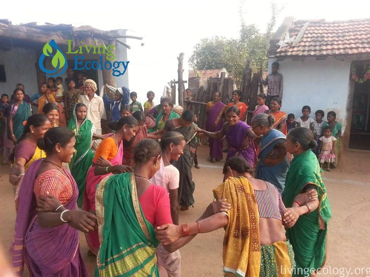 Villagers celebrate a visit from agricultural activists: Living Ecology's Permaculture Internship in India #livingecology #permacultureinternship