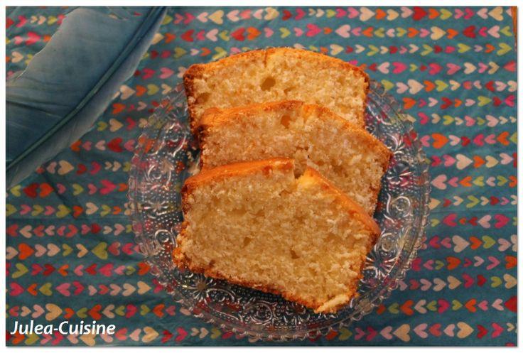 Cake yaourt noisette de Maman :) http://juleacuisine.blogspot.fr/2014/01/gateau-de-maman-cake-yaourt-noisette.html
