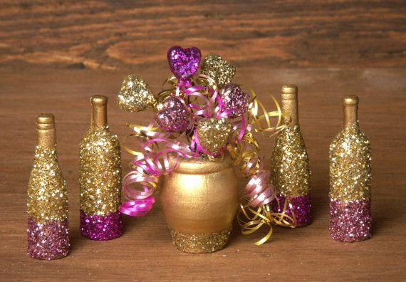 Shimmering Party Vase with Micro Heart Balloons for by DinkyWorld