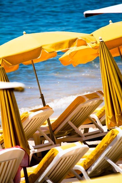 LOVELY Holiday: Beaches Fun, Yellow Umbrellas, Beaches Umbrellas, Beaches Chairs, Mellow Yellow, Ocean Waves, Beaches Photography, Cannes France, French Riviera
