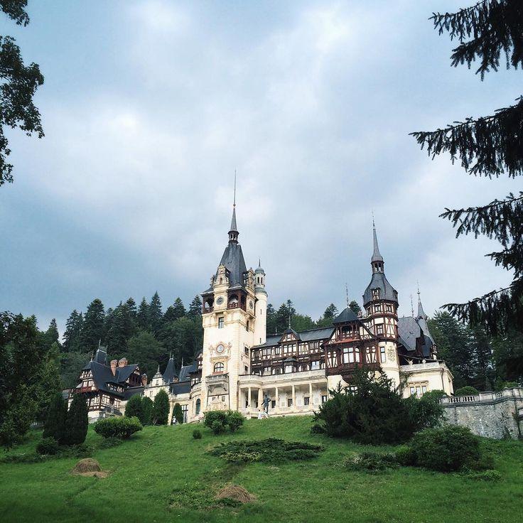 Замок Пелеш. Построен в середине 19 века как летняя резиденция короля Кароля I.