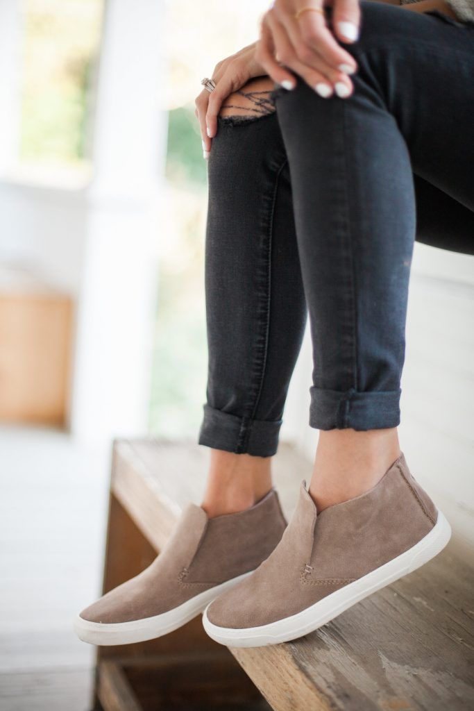 A casual fall outfit perfect for moms styling chic sneakers from DSW