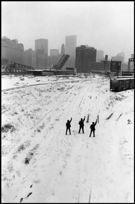 Magnum Photos Photographer Portfolio - USA. 1968. Chicago. Black Panthers protesting. - Hiroji Kubota