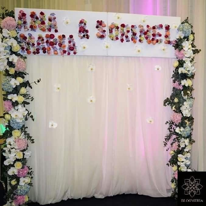#anamariasisorinel #child #party #bloom #bloomeria #arcade #with #flowers #white #phalaenopsis #hortensia #roses #ranunculus #color #floricolorate #thenameofthebabes🌹🌻🌼🌺🌸🌷#pinkandblueparty💙💟 bloomeria.ro