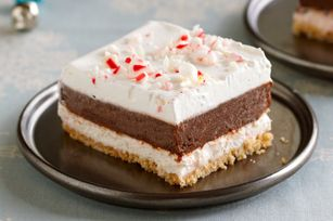 Chocolate Peppermint Striped Delights with a HONEY MAID Graham Cracker crust are refreshingly simple yet decadent.