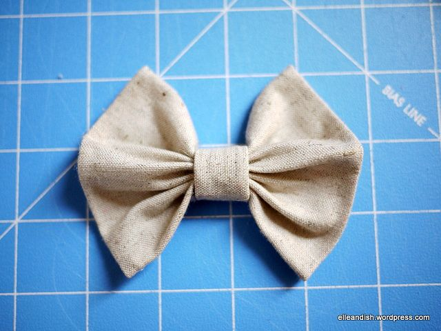 You can make this any size you like! :D My favorite bow tutorial!