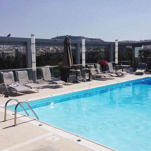 Δροσιστικές βουτιές στην καρδιά της πόλης... Ελάτε στην πισίνα του Radisson Blu Park Hotel Athens, με μοναδική θέα στο κέντρο της Αθήνας!  Photo by maudy1234/ Instagram