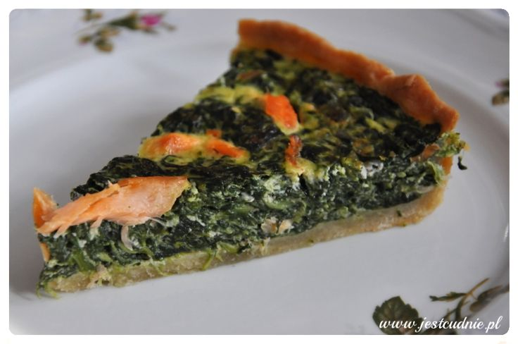 Quiche with spinach and smoked salmon