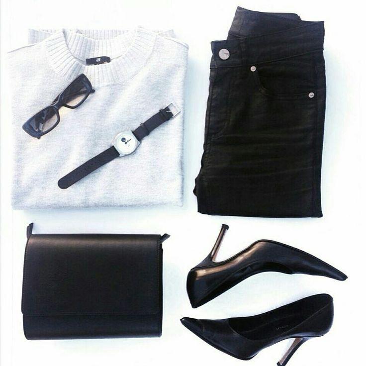 Monochromatic #flatlay by stylist & customer @luciagertos  Shop: www.issara.co/shop/crossbody-bag